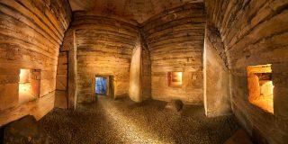 Maeshowe interior. (Jim Richardson)